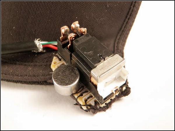 Как расстегнуть лифчик за два хлопка: электромагнитная застёжка