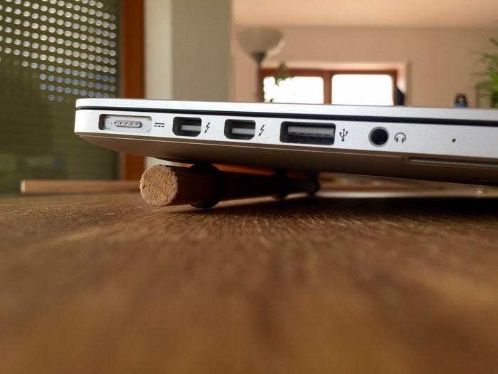 Как сделать простую подставку-кулер для ноутбука