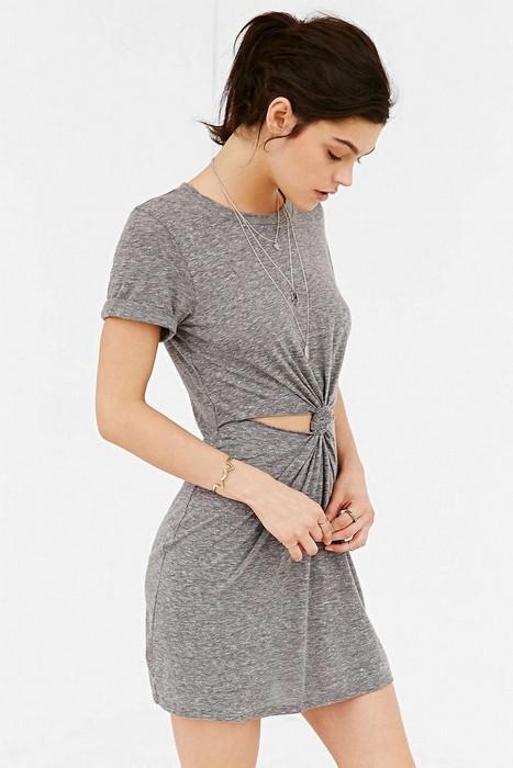 Как сделать крутое летнее платье из ненужной футболки