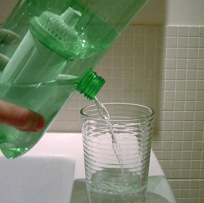 Портативный фильтр для очистки воды, который легко взять в поход или путешествие