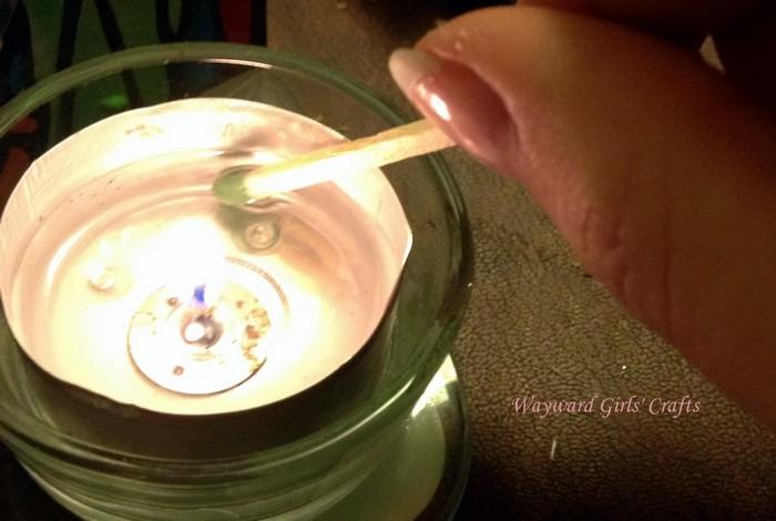 Как сделать непромокаемые спички и средство для розжига костра своими руками