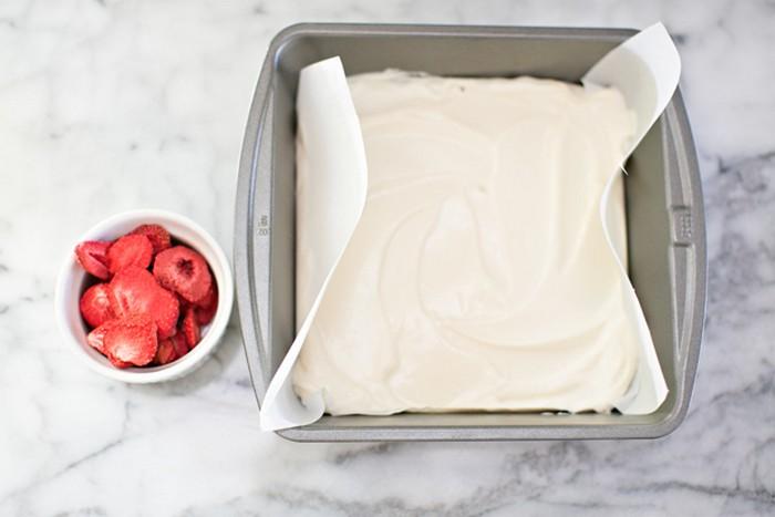 Как сделать  вкуснейшие конфеты-плитки из йогурта