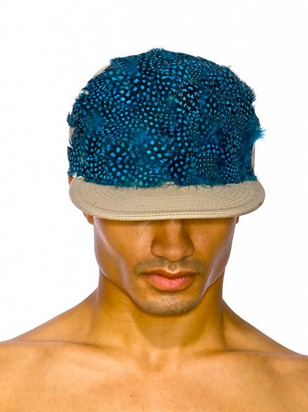 Дизайнерские кепки для гламурных панков