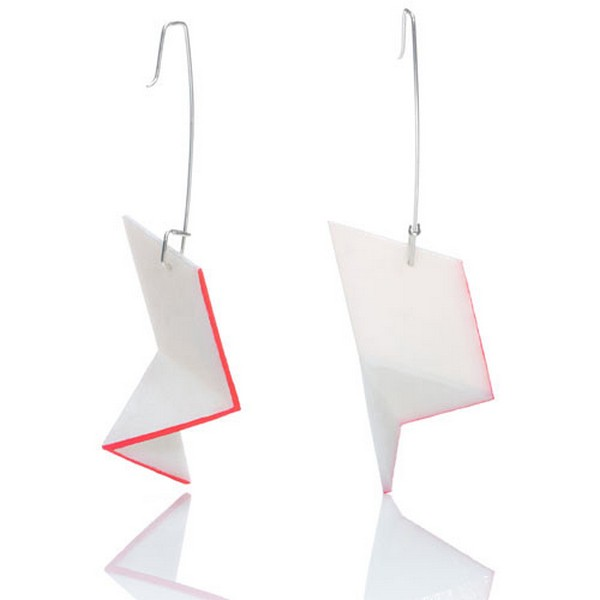 «Электронные» украшения из пластика от канадских дизайнеров