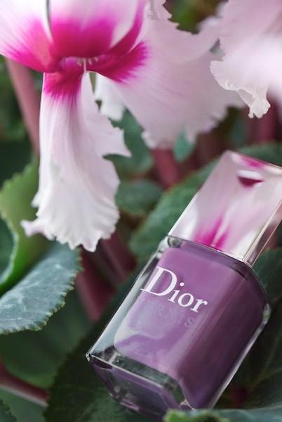 Первые лаки с приятным запахом от легендарных Dior