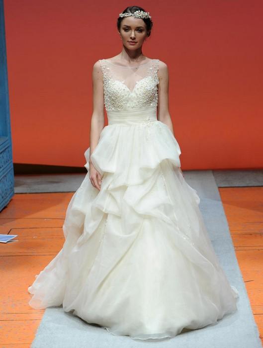 Шикарные свадебные платья по мотивам мультиков Disney: Аврора («Спящая красавица»)