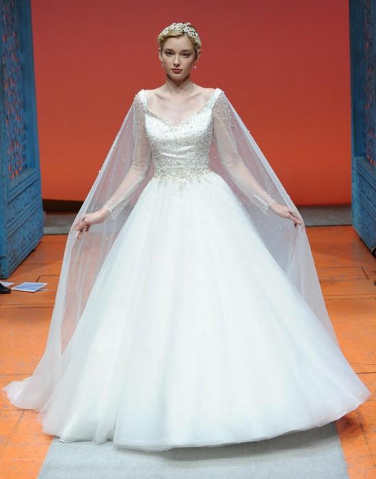 Шикарные свадебные платья по мотивам мультиков Disney: Эльза («Холодное сердце»)