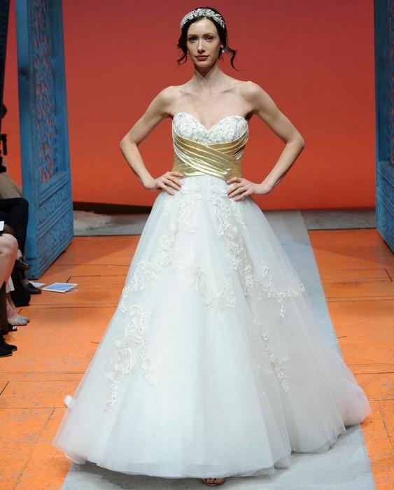Шикарные свадебные платья по мотивам мультиков Disney: Белоснежка