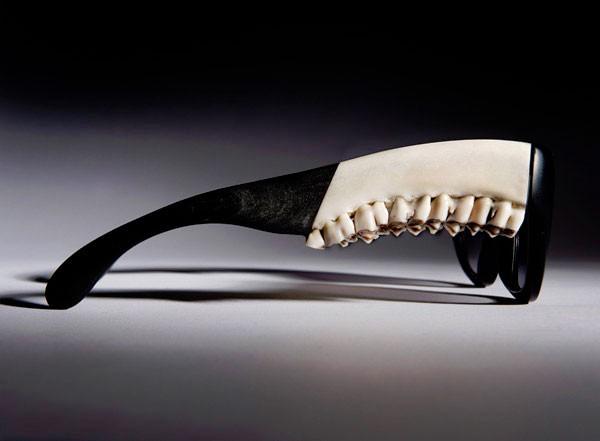 Жутковатые очки из «натуральных материалов»