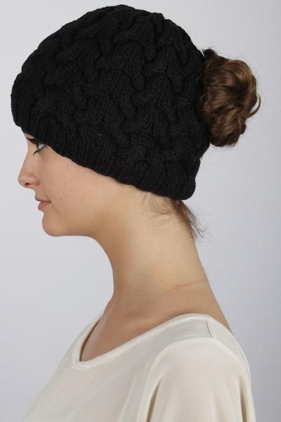 Вязанные женские шапки Fit to Flick не испортят даже самую высокую прическу