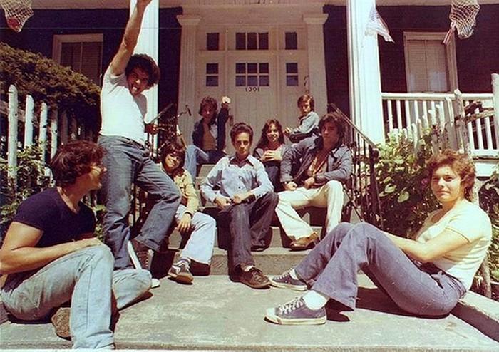 В 70-ых клёш носили все.