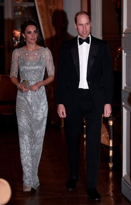 Блистательное платье в пол от Jenny Packham.