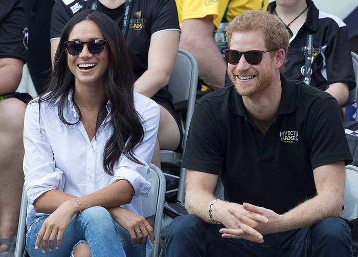 Принц Гарри со своей возлюбленной.