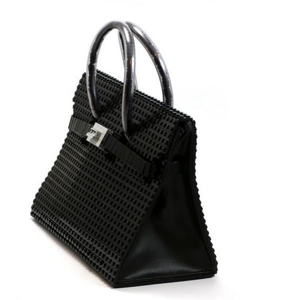Самую известную модель сумки от Hermes воссоздали из деталей конструктора Lego.