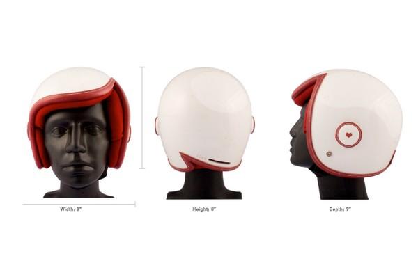 Ну очень женственный и симпатичный защитный шлем Luxy Vespa