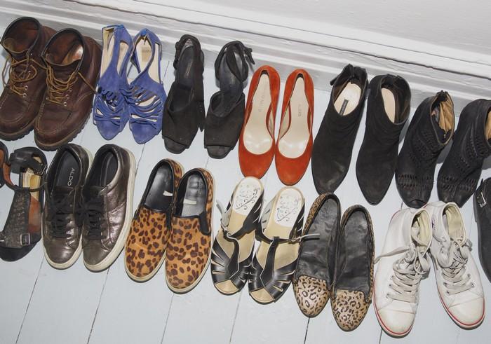 Зато обуви много не бывает.