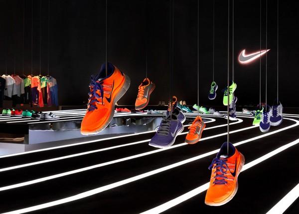 Кроссовки как арт-объект в экспозиции Nike Free