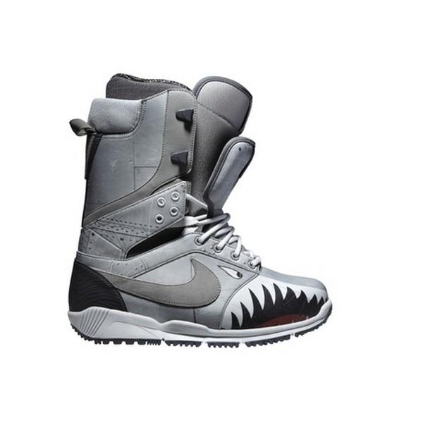 Хищные «кроссовки» для сноубординга от Nike