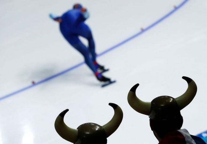 Настоящие викинги болеют за конькобежцев.