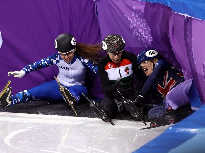 Падение сразу трёх спортсменов.