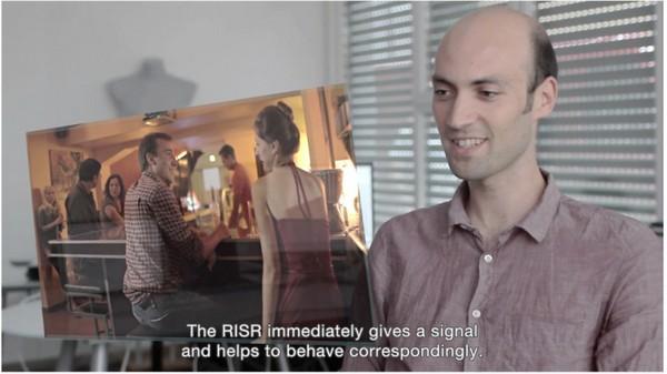 Девайс RiSR улучшит вашу невербальную коммуникацию