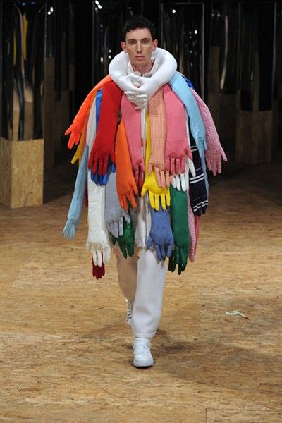 Уютные «обнимающие» куртки из коллекции Hug Me