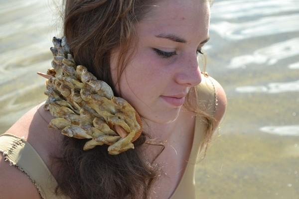 «Органическая» коллекция украшений и аксессуаров Specimen
