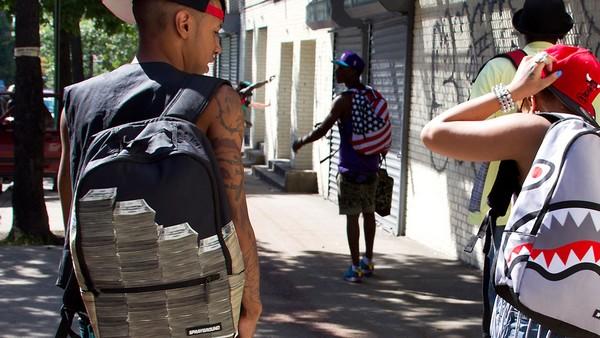 Уличное искусство в городских рюкзаках от Sprayground