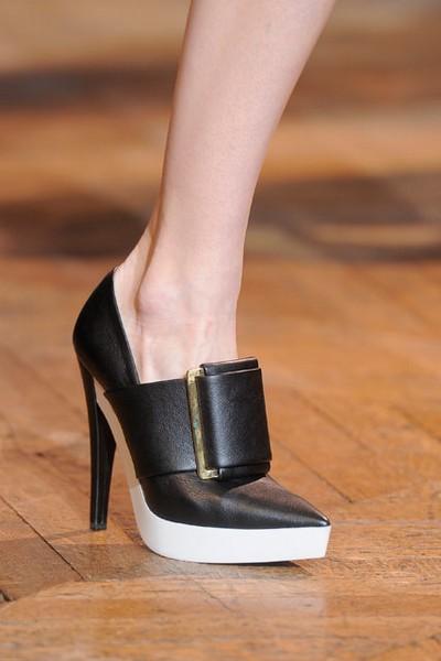 Биоразлагаемые туфли и батильоны от Stella McCartney
