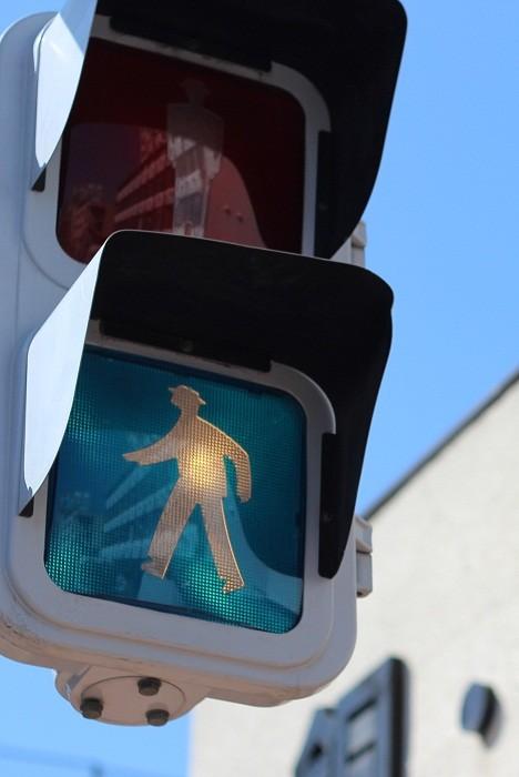 Такой светофор озадачит любого водителя.