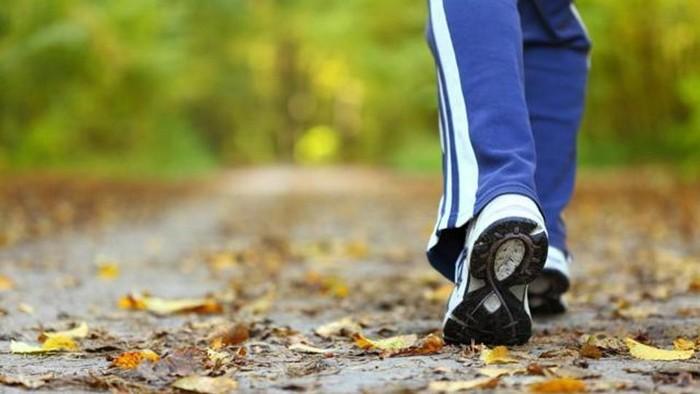Замедление темпа ходьбы.