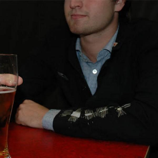 Пиджак-алкотестер поможет своему владельцу соблюдать меру