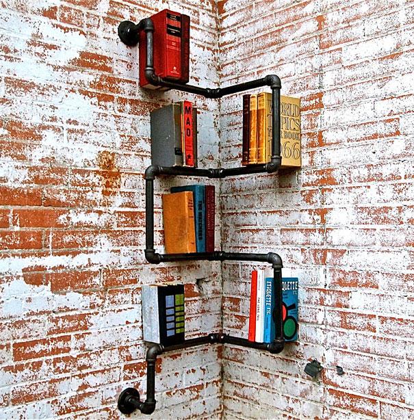 Todo el sistema de estantes en el estilo industrial de estudio KKatz.