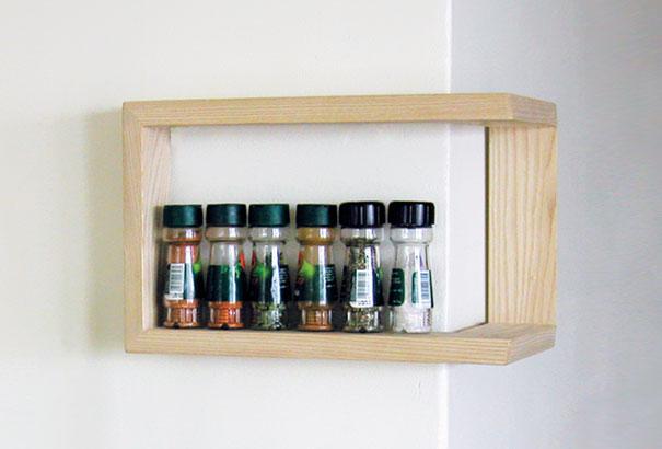 No compartimiento en el tren, pero una cosa funcional, lo que ahorra un valioso espacio en el diseñador finlandés Martina Carpelan.