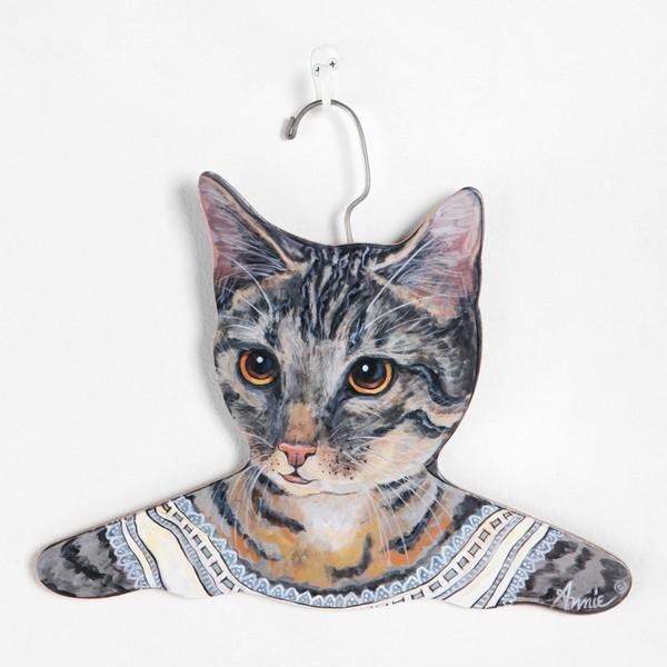 Животные, примеряющие вашу одежду от Urban Outfitters