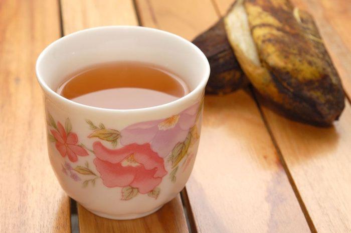 Пейте банановый чай за час до отбоя.