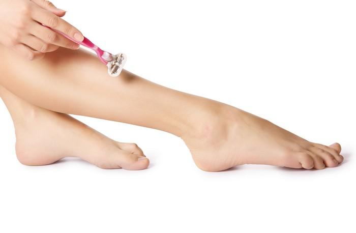 Бьюти секрет: кондиционер для волос в борьбе за гладкие ножки