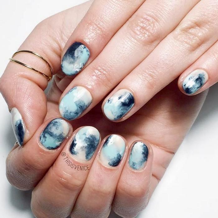 Круглые ногти.