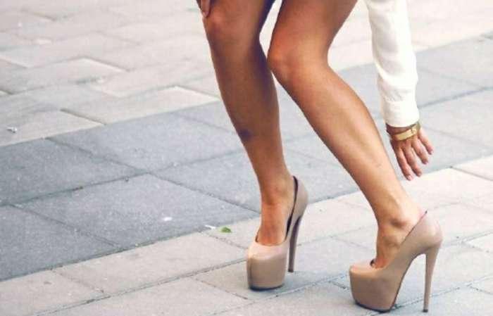 Разносить туфли без мозолей возможно.