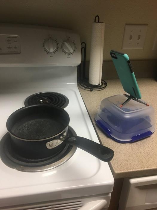 Смартфон присмотрит за готовкой.