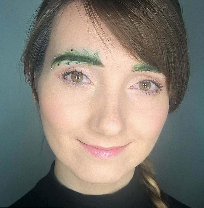Рискнули бы покрасить брови в зелёный?