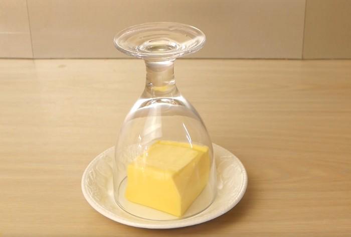 Как быстро сделать холодное масло идеально мягким для бутерброда