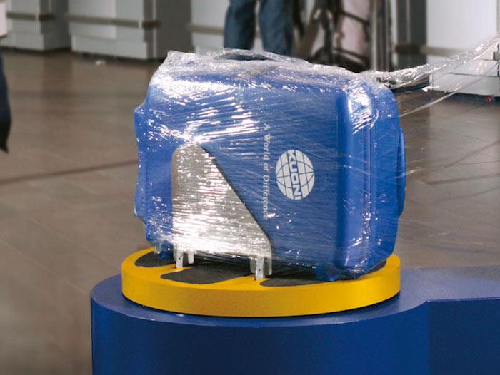 Самое надёжное средство защиты – «старомодная» упаковка багажа.