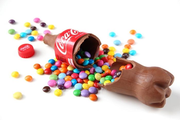 Шоколадная кола-сюрприз – оригинальный подарок к праздникам