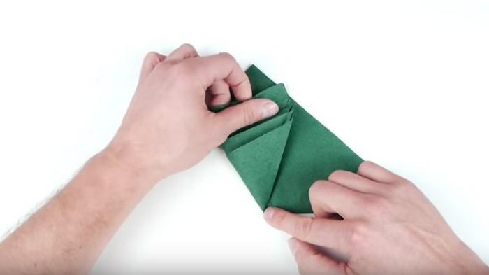 Как сложить салфетки ёлочкой
