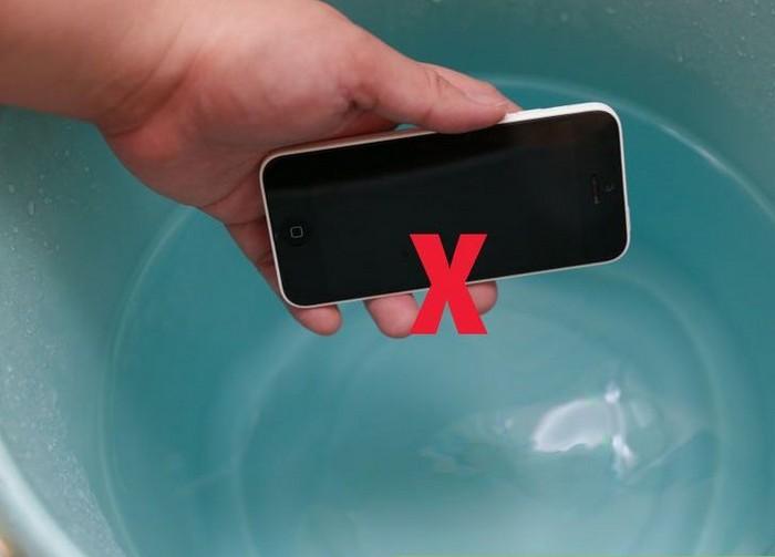 Как правильно очистить экран смартфона, ноутбука или телевизора