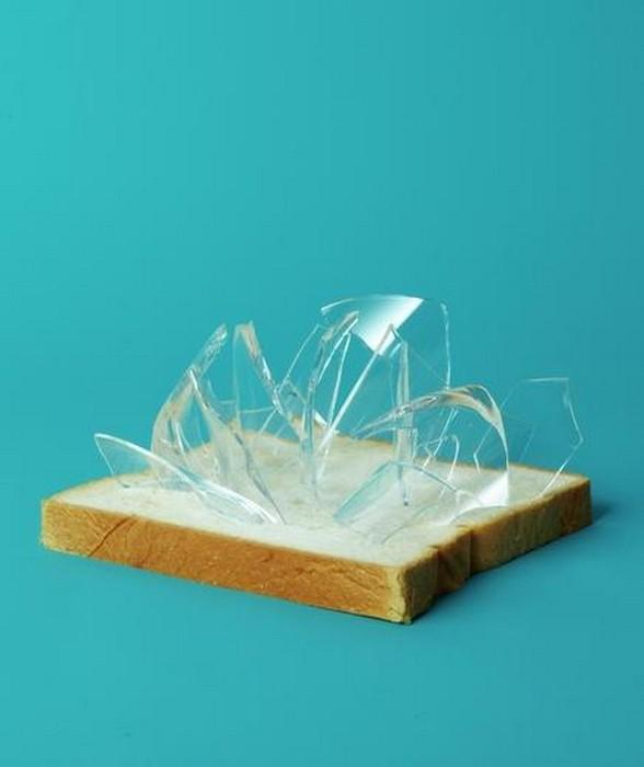 Краюха хлеба поможет собрать стекло.