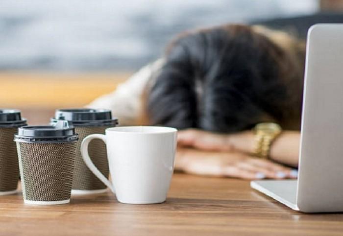 Можешь проснуться без кофе? Герой!