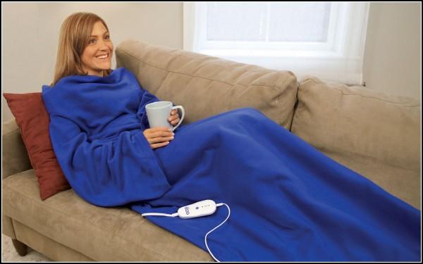 Ну очень тёплый гибрид кофты и одеяла с подогревом