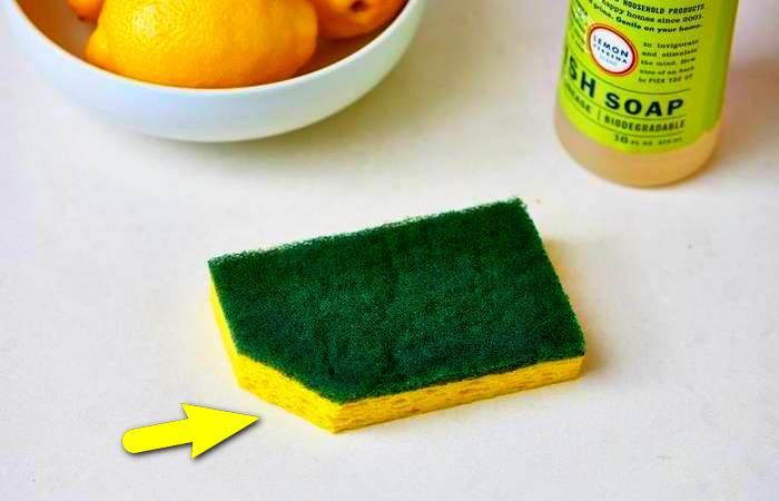 Зачем отрезать уголок от губки для мытья посуды?